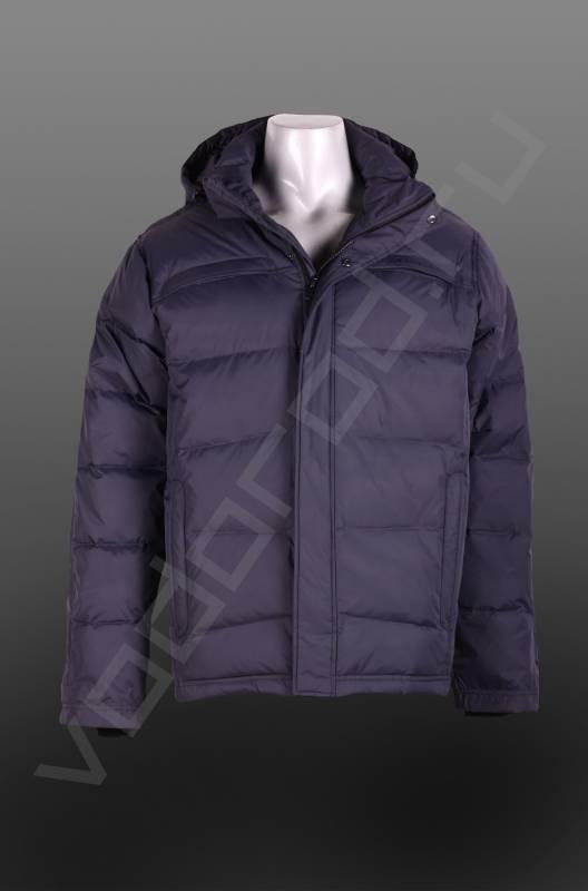 ПуховикВерхняя одежда<br>Мужской пуховик, прямая модель, центральная молния с наружной планкой на кнопках, два нагрудных прорезных кармана на молниях, 4 классический цвета. Пуховик имеет съемный капюшон.<br><br>Цвет: серый<br>Размер INT: M<br>Пол: Мужской